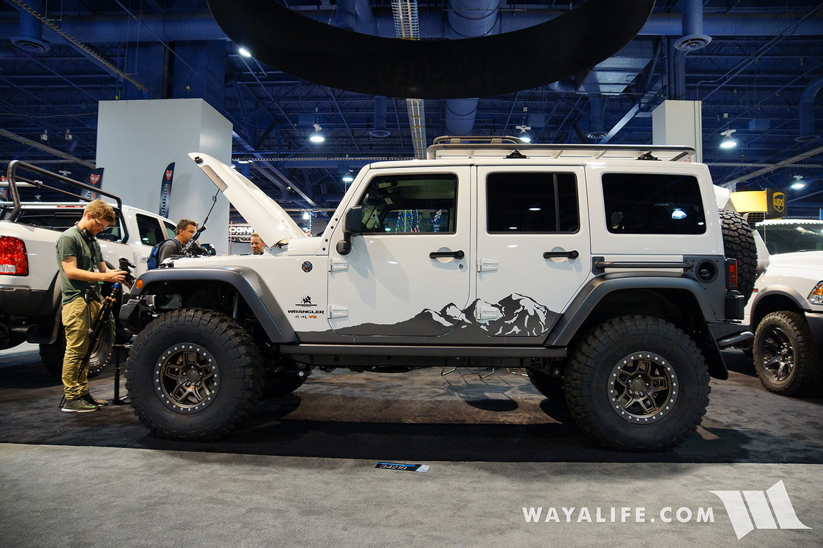 Lifted Jeep Renegade >> 2016 SEMA : AEV Jeep JK Wrangler Unlimited