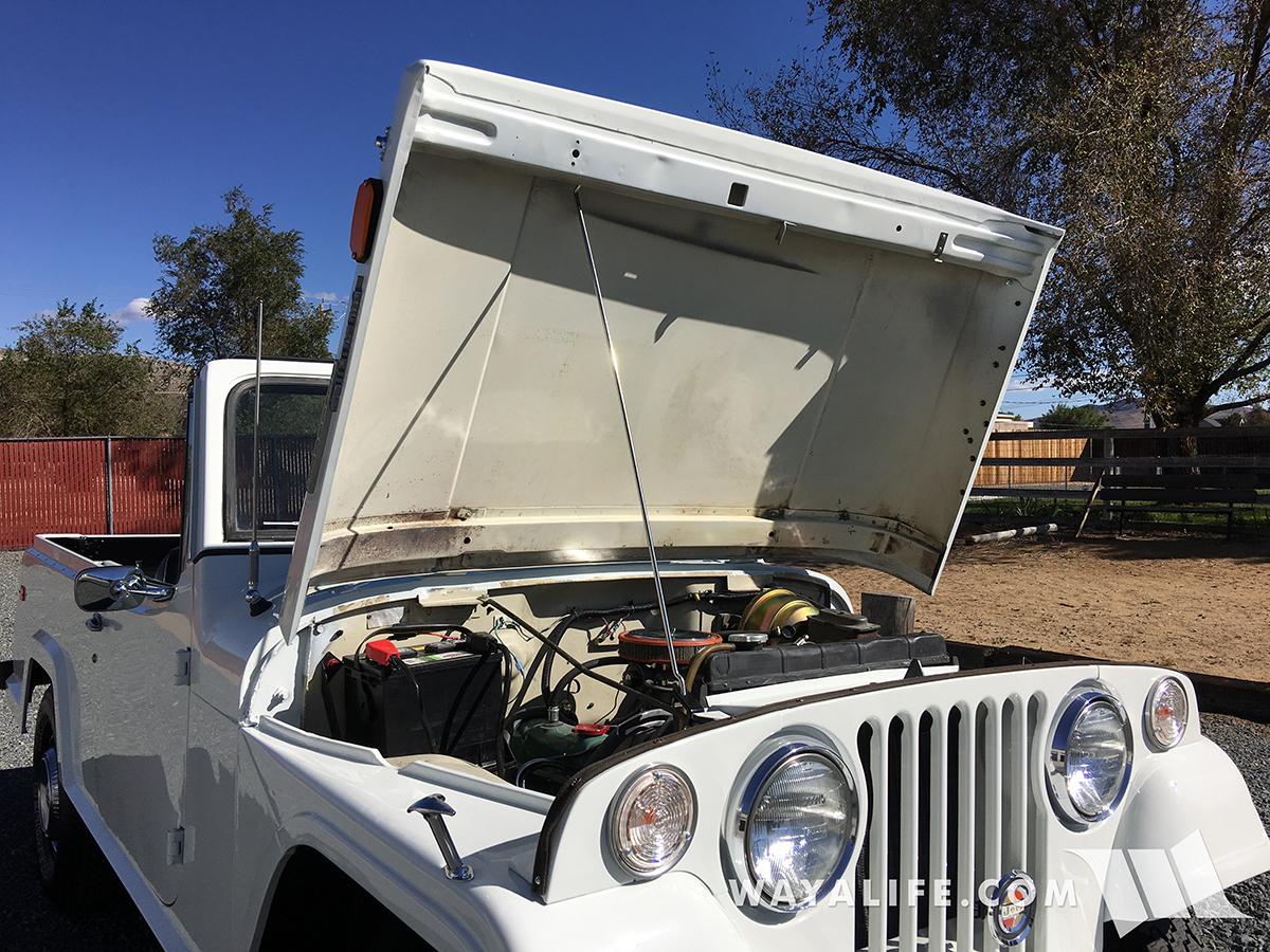 WAYALIFE Emma - Jeepster Commando with a CJ hood prop rod