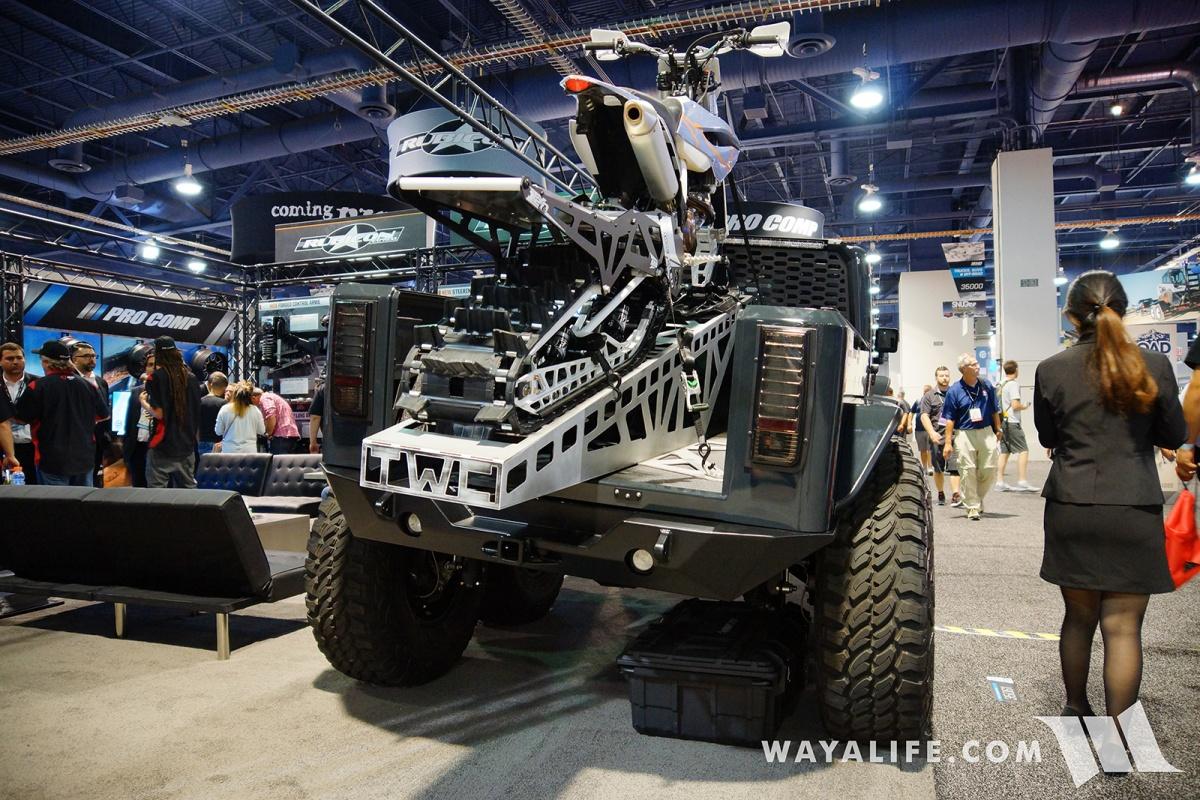 2017 SEMA Rubicon Express 6x6 Jeep JK Wrangler