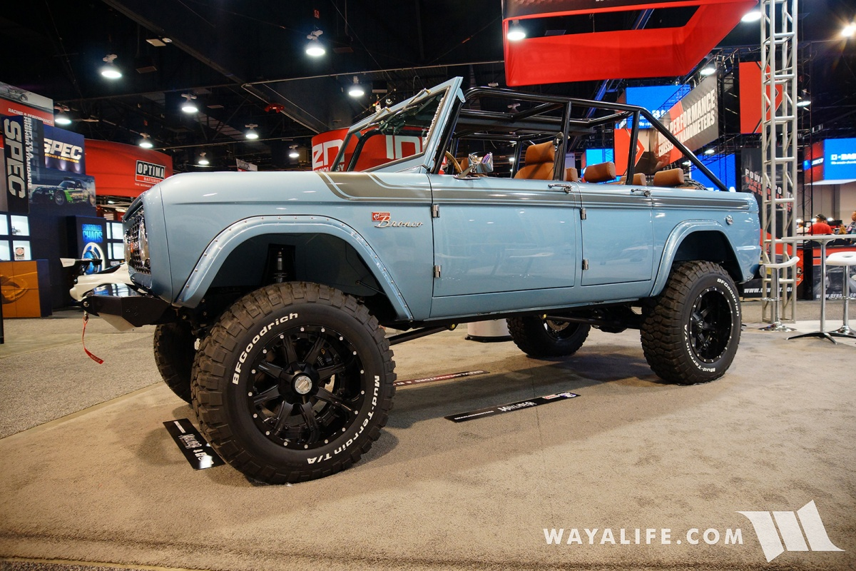Early bronco and build it up for the 2017 sema show and by the look of things yukon gear took that memo to the next level and built up this badass