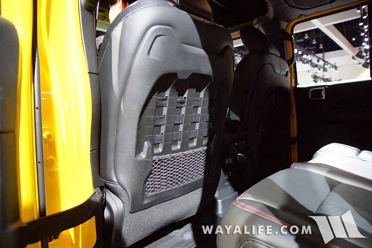 JL Wrangler Rubicon MOLLE on the backs of front seats