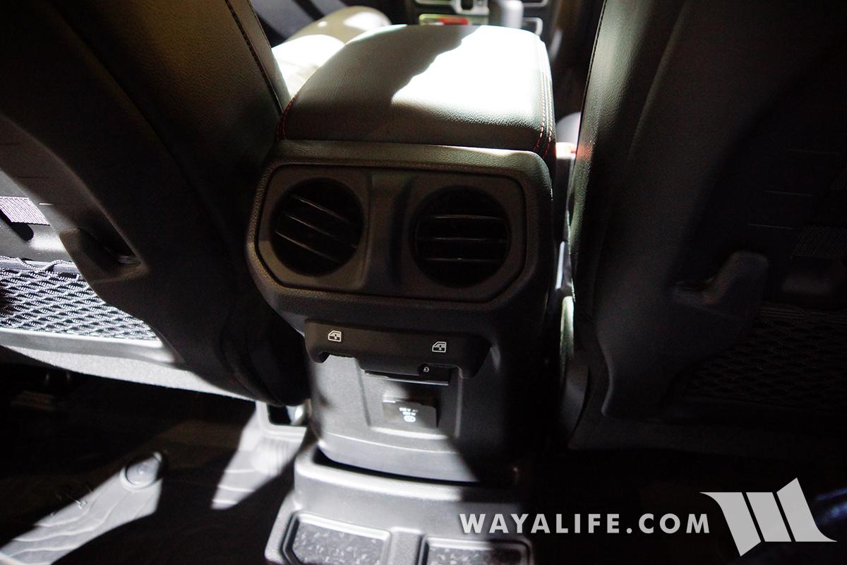 JL Wrangler center console rear vents